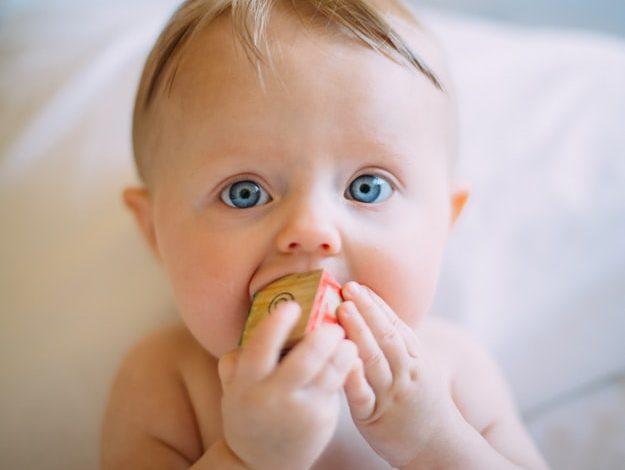 فائدة حليب الأم