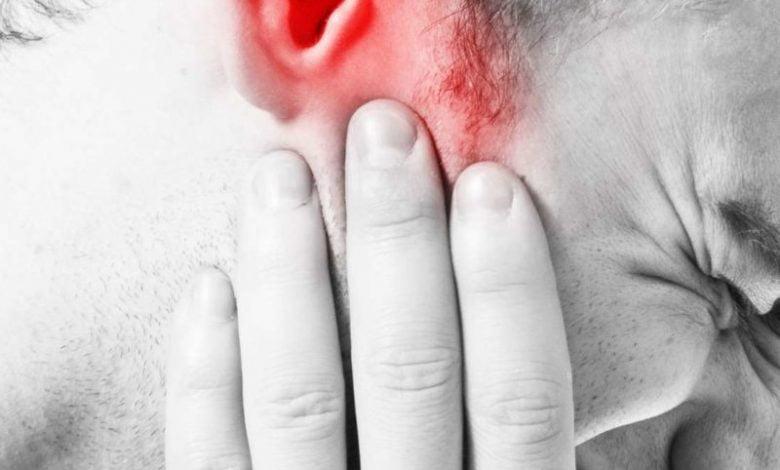 ما هي أسباب ألم الأذن