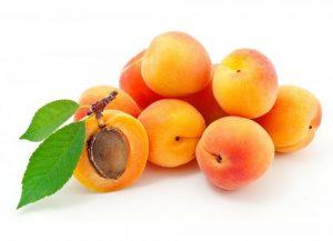 المشمش من الفواكه التي تزيد حليب الأم