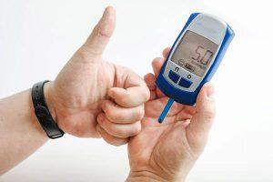 انخفاض سكر الدم وأسبابه وأهم الأعراِض