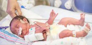 من الصعوبات التي تواجه الأم في فترة الرضاعة الطبيعية الأطفال المولودين قبل اكتمال الحمل